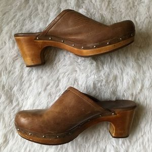 Ugg Swedish Clog brown leather
